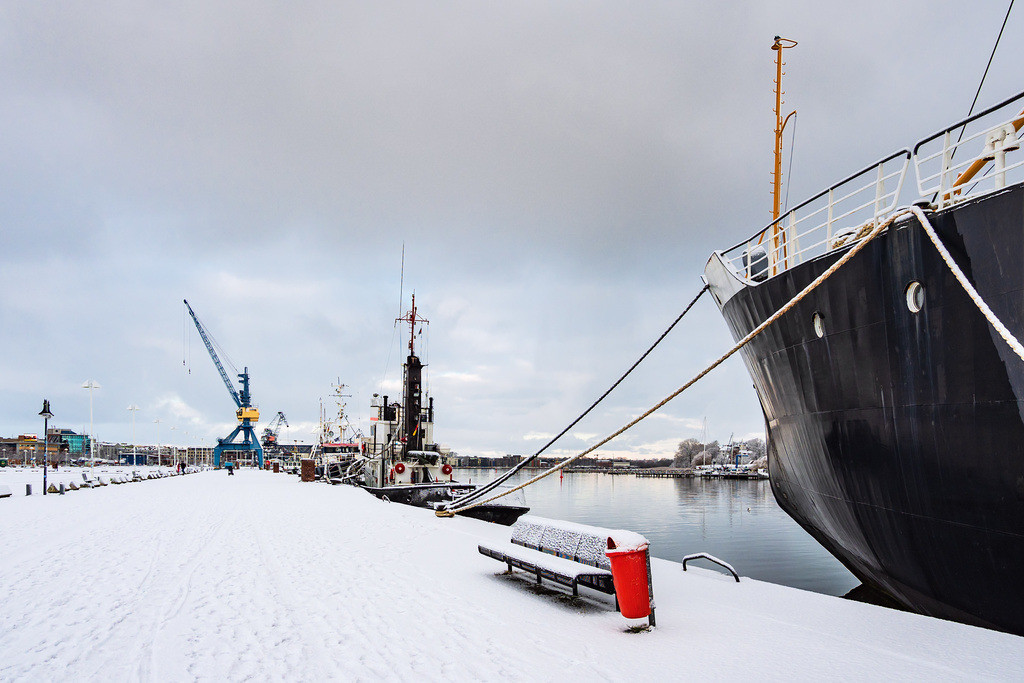 Blick über den Stadthafen in der Hansestadt Rostock im Winter | Blick über den Stadthafen in der Hansestadt Rostock im Winter.