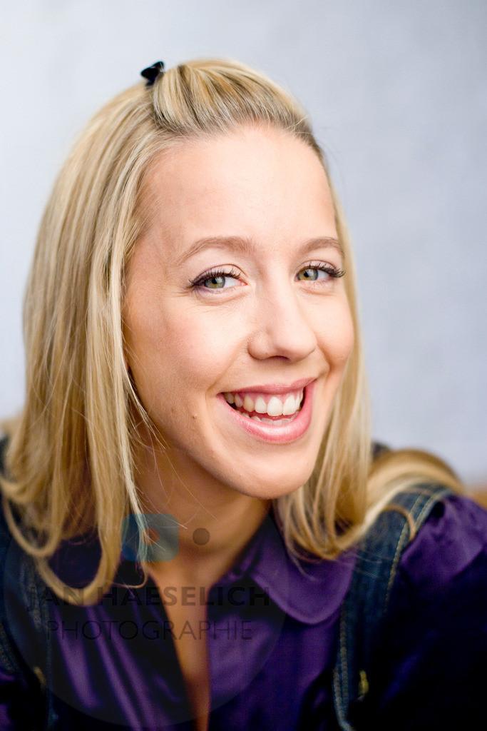 Katharina Kaali    Fototermin zur ARD Vorabendserie