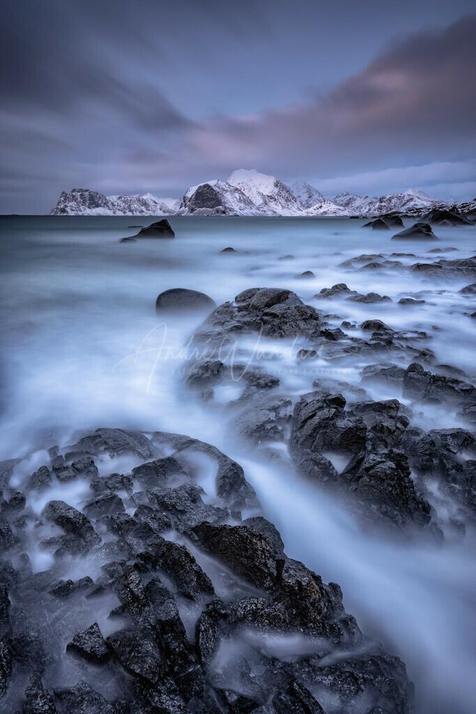 Blaue Stunde am Nebelmeer