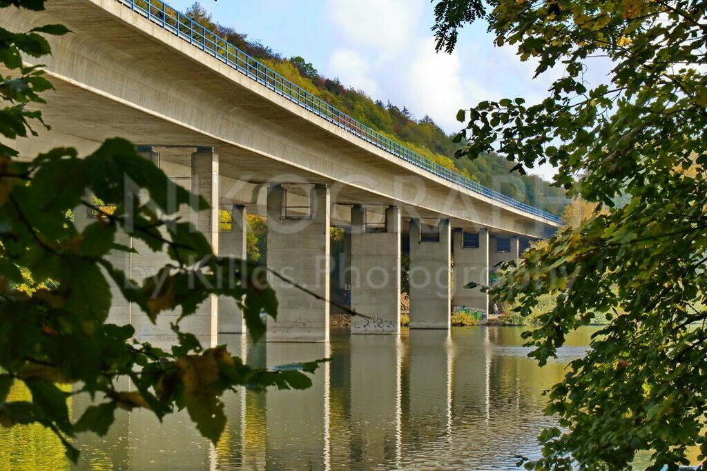 Autobahnbrücke am Seilersee | Die Autobahnbrücke am Seilersee in Iserlohn.
