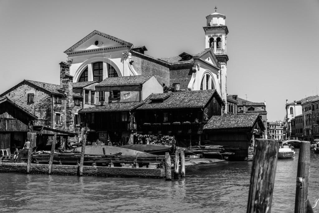 Venice-bnw-52