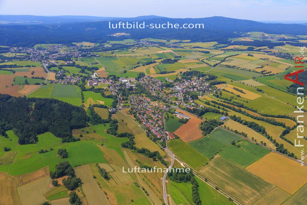 schoenbrunn-wunsiedel-2016-239 | Luftbild von Schoenbrunn Wunsiedel - Luftaufnahme wurde 2016 von https://frankenair.de mittels Flugzeug (keine Drohne) erstellt - die Geschenkidee