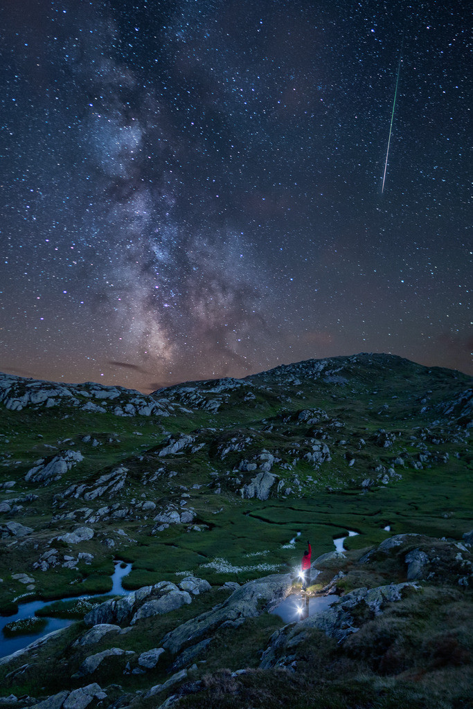 Milky Way | The Milky Way and shooting star in the night of the perseids.