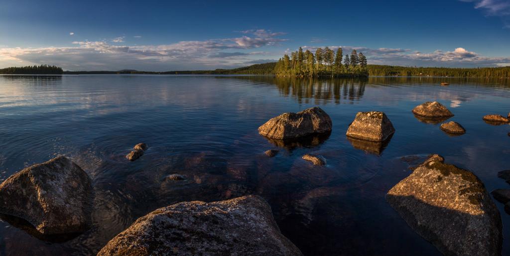 Rönnhällsjön | Der See Rönnhällsjön in der Region Dalarna.