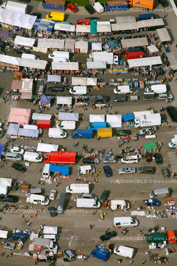 ES10098718 | Automarkt Essen Autokino Essen am Georg-Melches-Stadion,  Essen, Ruhrgebiet, Nordrhein-Westfalen, Germany, Europa