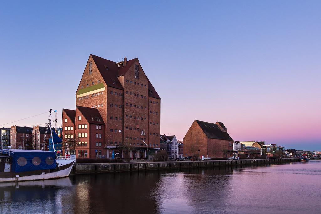 Der Stadthafen in Rostock am Morgen | Der Stadthafen in Rostock am Morgen.