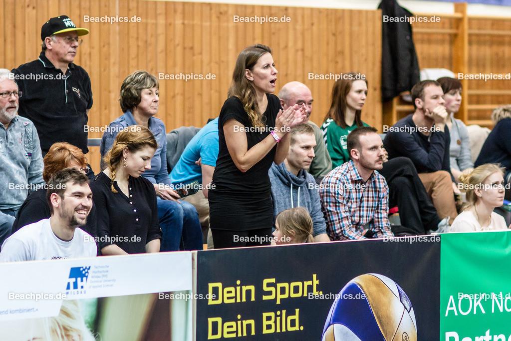 2016_134_BLM_Netzhoppers-Lüneburg | Jubel und Anfeuerung bei den Netzhoppers Fans