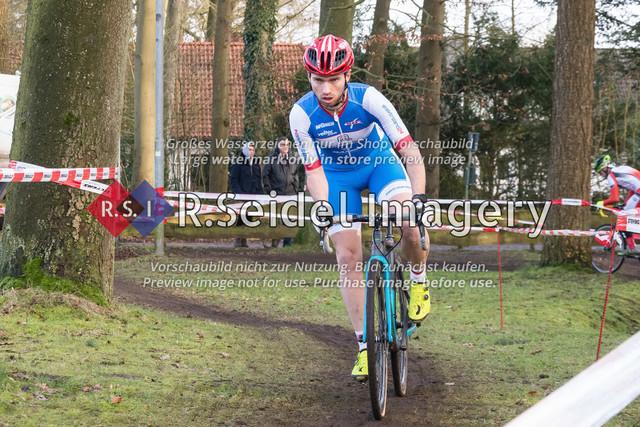 Radsport, Stevens Cyclocross Cup 2019, 10. Lauf (RSG Nordheide), Rennen 9 (Elite Herren + U23, Masters 2 / Elite Ü40 und Junioren U19), Buchholz i.d.N., 19.01.2020 | Tim Rieckmann (RG Wedel, #7, Elite)