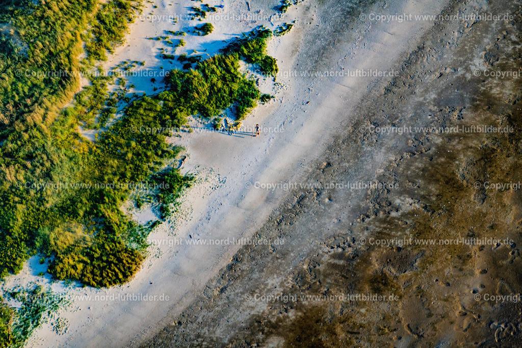 Nigehörn_Vogelwart_Hamburger_Wattenmeer_ELS_0867   HAMBURG 01.09.2021 Nigehörner Sandstrand in der Nordsee im Wattenmeer vor Cuxhaven im Bundesland Hamburg, Deutschland. // Nighoern in the North Sea in the Wadden Sea off Cuxhaven in the state Hamburg, Germany. Foto: Martin Elsen
