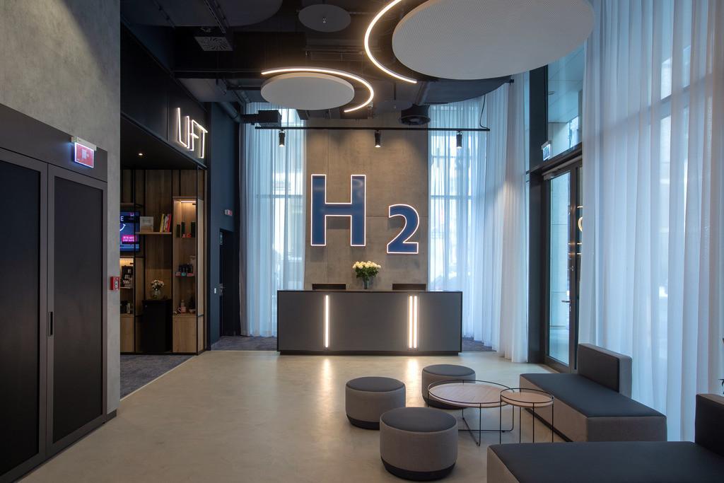lobby-08-h2-hotel-budapest