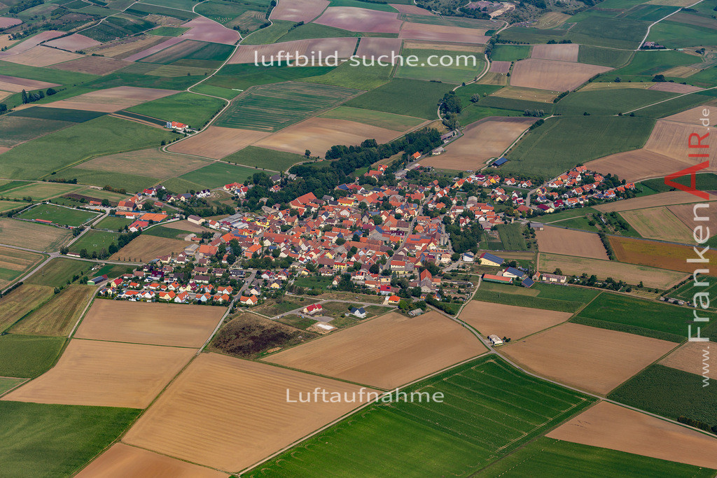 weigenheim-19-759 | aktuelles Luftbild von  Weigenheim - Luftaufnahme wurde 2019 von https://frankenair.de mittels Flugzeug (keine Drohne) erstellt.