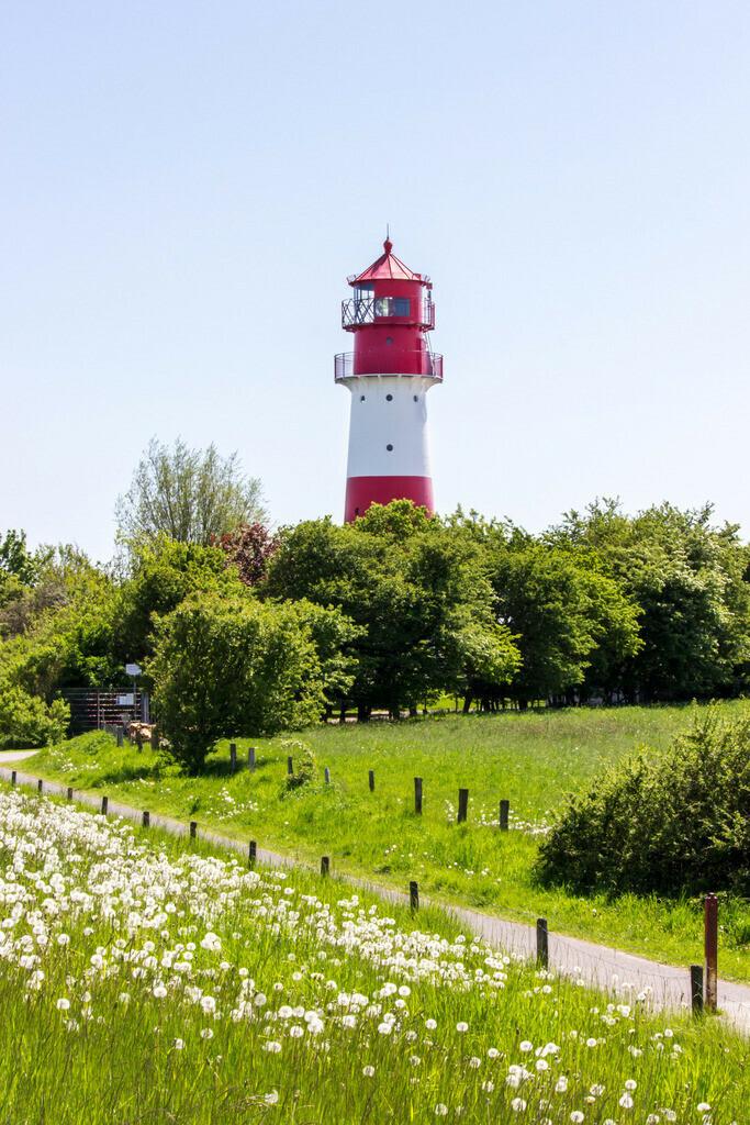 Frühling an der Ostsee | Leuchtturm in Falshöft im Frühling
