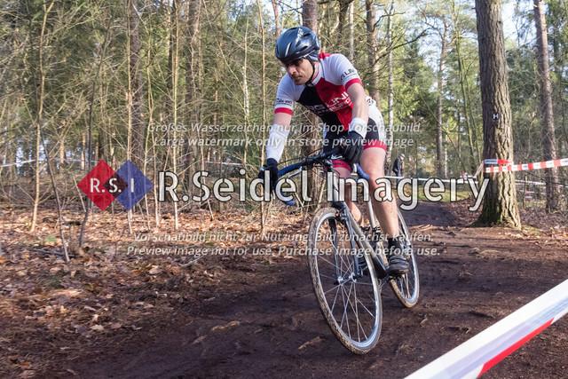 Radsport, Stevens Cyclocross Cup 2019, 10. Lauf (RSG Nordheide), Rennen 9 (Elite Herren + U23, Masters 2 / Elite Ü40 und Junioren U19), Buchholz i.d.N., 19.01.2020   Thomas Eckhardt (RG Uni Hamburg, #143, Masters 2)
