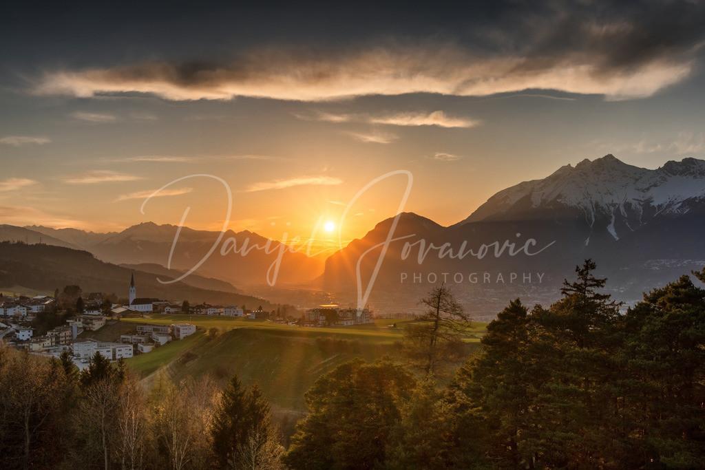 Sonnenuntergang | Sonnenuntergang im Mittelgebirge mit Blick auf Aldrans