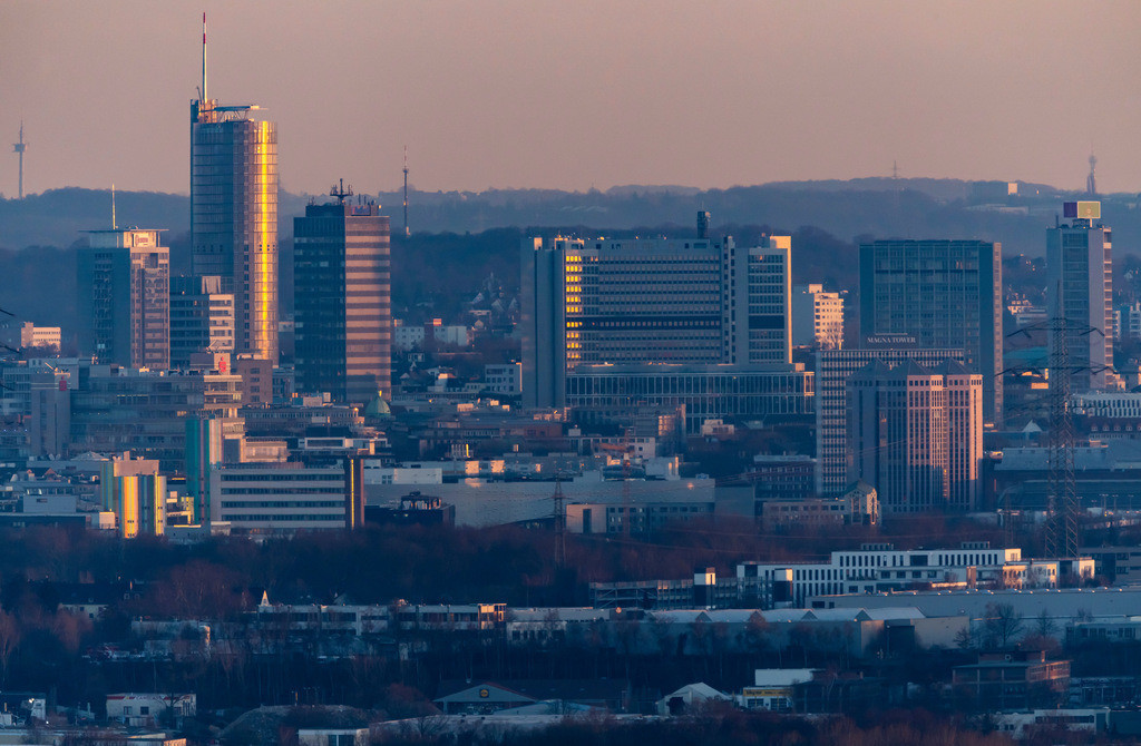 JT-190225-007 | Skyline von Essen, Hochhäuser der Innenstadt, Mitte der RWE Tower,