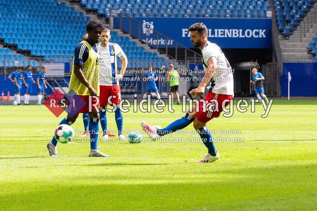 Fußball, Herren, Testspiel, Hamburger SV - FC Hansa Rostock, Volksparkstadion, 09.08.2020   Klaus Gjasula (#20 HSV)