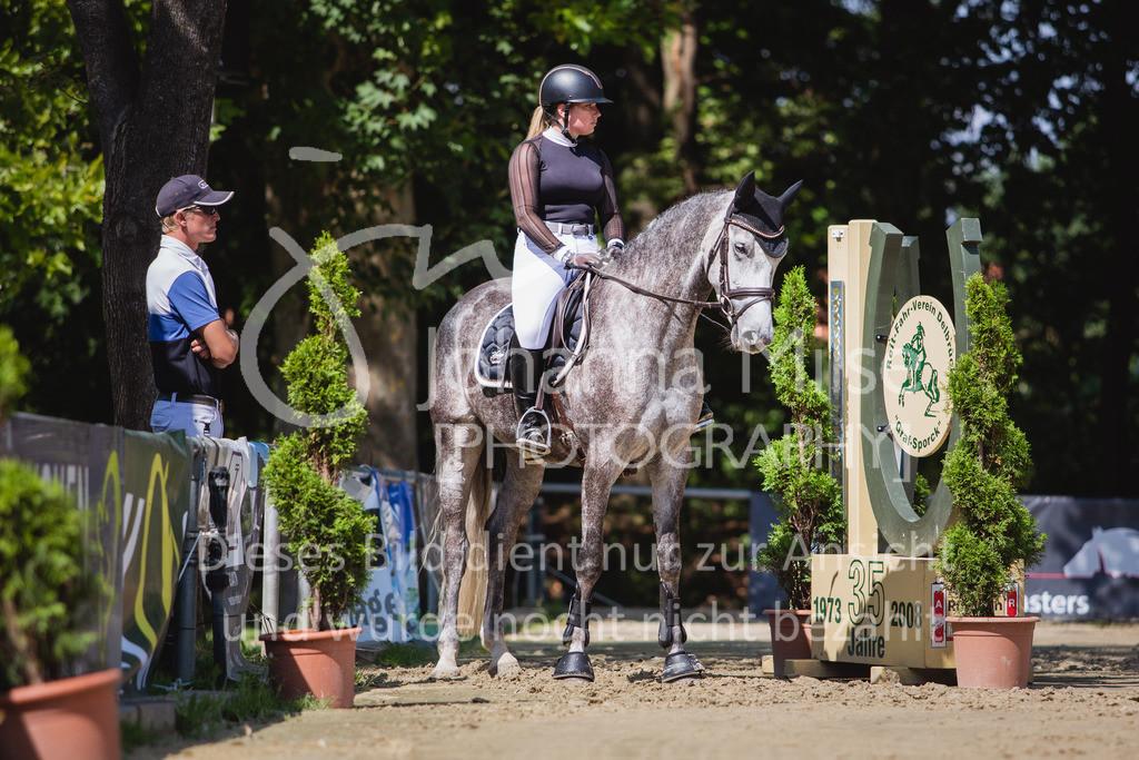 200819_Delbrück_Sprpf-A_2_1-239 | Delbrück Masters 2020 Springpferdeprüfung Kl. A** 4-6jährige Pferde