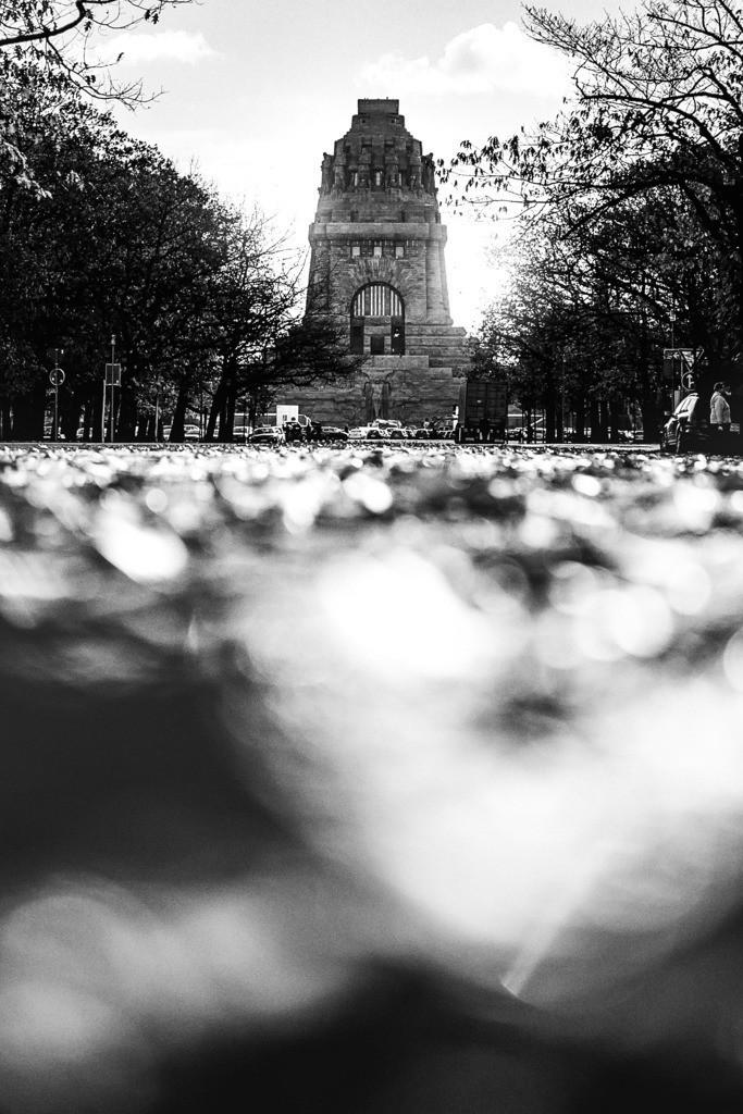 Völkerschlachtdenkmal Leipzig Herbst  | Völkerschlachtdenkmal bei Leipzig. Ein herbstliches Motiv auf das Monument des Erinnerns.
