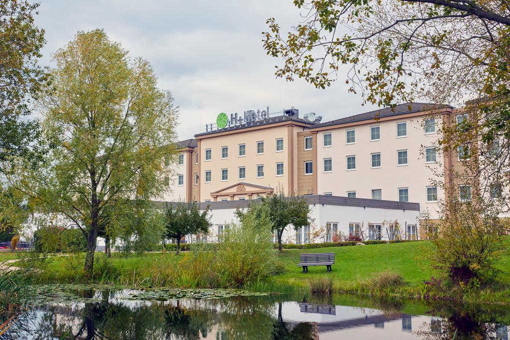 aussenansicht-01-hplus-hotel-hofheim