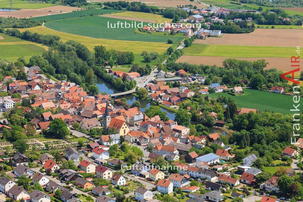 luftaufnahme-marktzeuln-2016-6571 | Luftbild von  Marktzeuln - Luftaufnahme wurde 2016 von https://frankenair.de mittels Flugzeug (keine Drohne) erstellt - die Geschenkidee