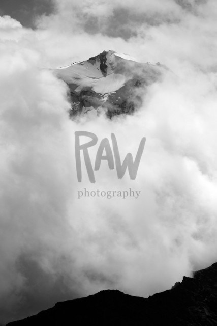 Fletschhorn in den Wolken