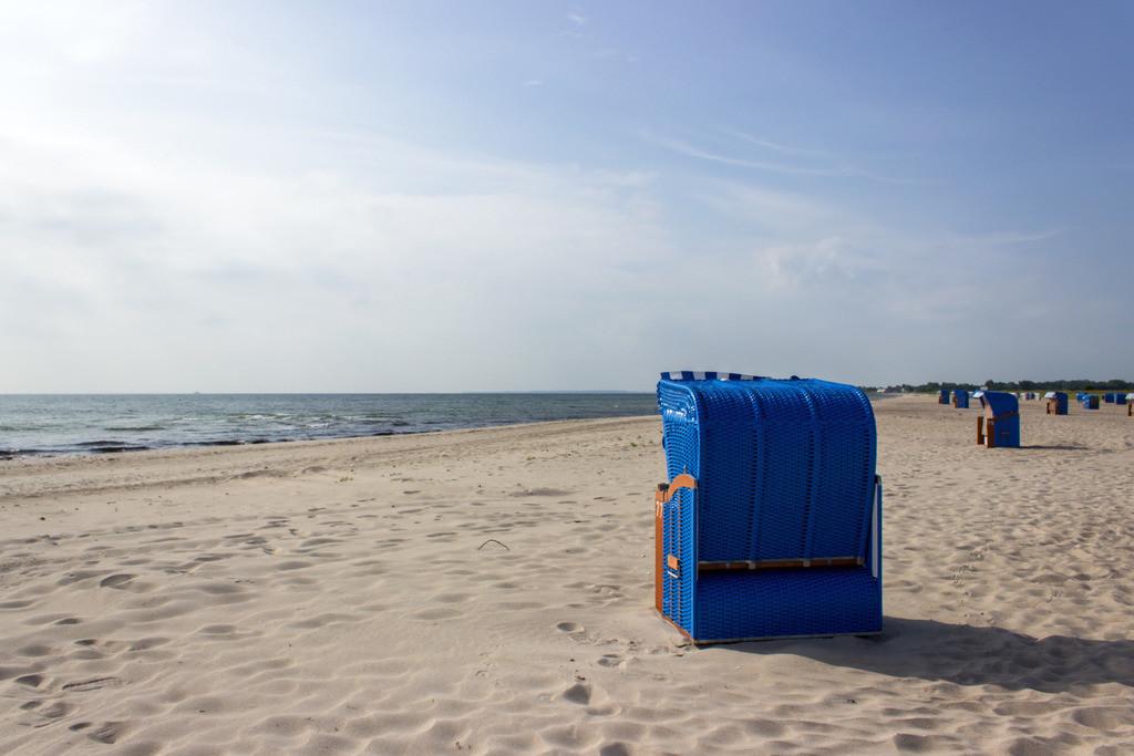 Strandkörbe an der Ostsee | Strandkörbe am Strand in Weidefeld