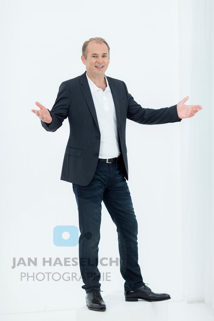 "Marcus Bluhm   Rote Rosen - Fototermin am 2.9.2013 in Hamburg. Die ARD-Telenovela ""Rote Rosen"