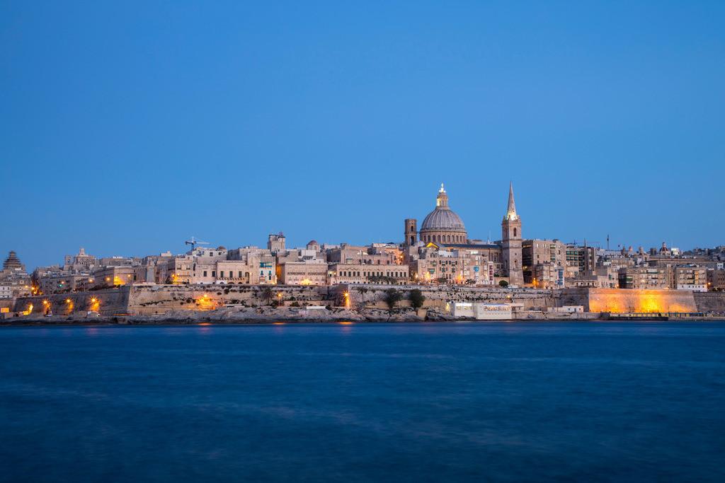 JT-170508-056 | Skyline von Valetta, der Hauptstadt von Malta, Kuppel der Karmeliter Kirche und Kirchturm der St. Paul's Anglican Pro-Cathedral Kirche,
