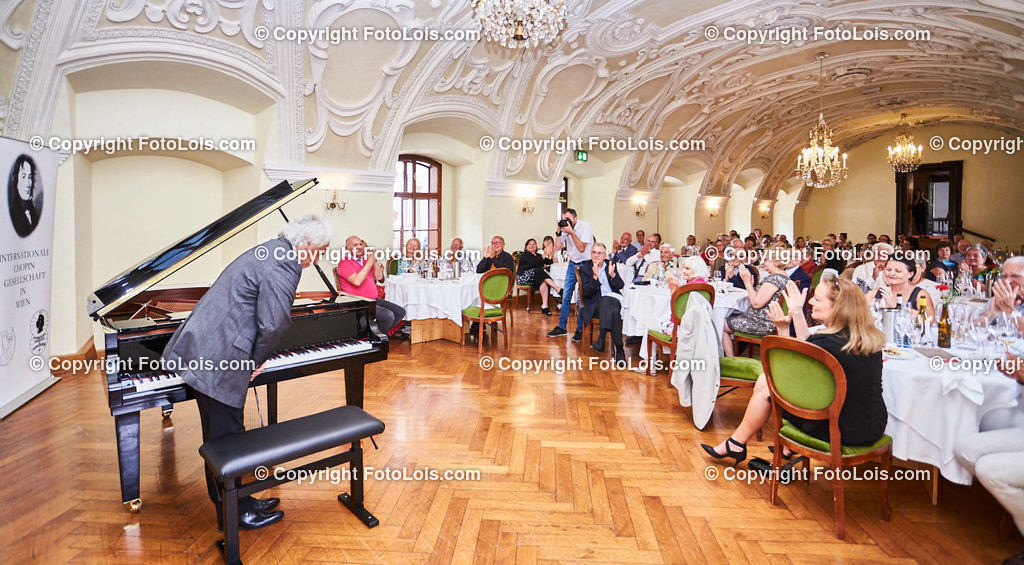 L1_2955_XXXVI-Chopin-Festival_Dinnerkonzert_HENRY Yves   (C) FotoLois.com, Alois Spandl, 36. Chopin-Festival in der Kartause Gaming, Auftritt Yves Henry, Frederic Chopin, Valse As-Dur op. 34/1, Polonaise-Fantasie As-Dur op. 61, Valse Des-Dur op. 64/1 'Minutenwalzer', Sa 15. August 2020.