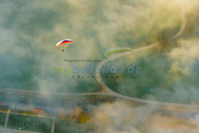 luftbild-gleitschirm-bruno-kapeller-02 | Luftaufnahme Gleitschirm über dem Nebel