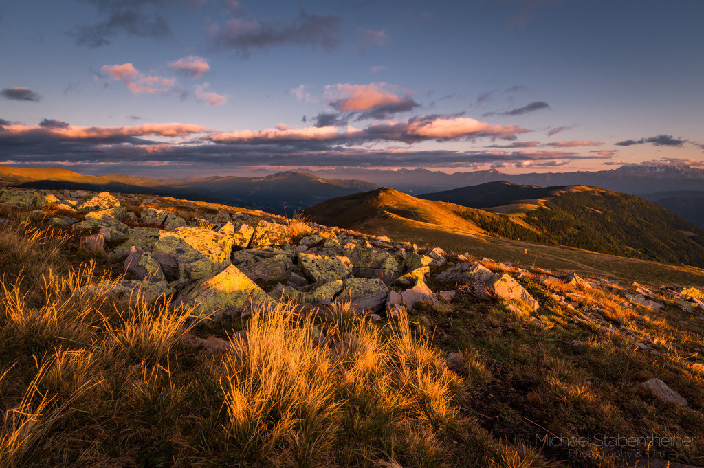 Sonnenuntergang in den Nockbergen | Sonnenuntergang in den südlichen Nockbergen am Mirnock nahe Radenthein bzw. dem Millstätter See