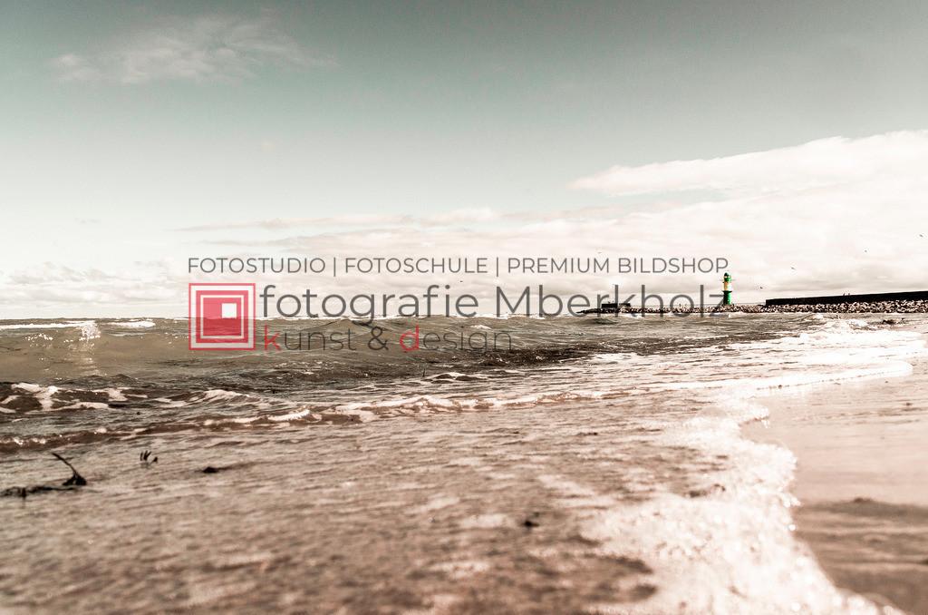 _Danilo_Schubert_mberkholz_DSch0123S | Die Bildergalerie Warnemünder Leuchtfeuer des Fotografen Marko Berkholz zeigt die Leuchtfeuer und die Hafeneinfahrt bei Tag, in der Nacht und außergewöhnlichen Langzeitbelichtungen.