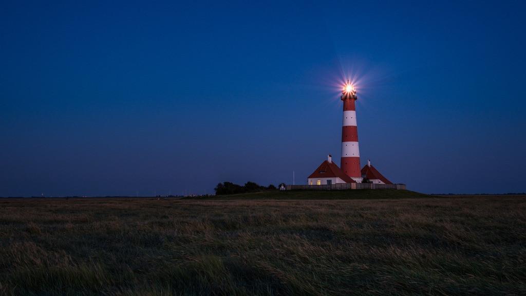 Westerhever in Blue  | Der Leuchtturm Westerhever gegen Ende der blauen Stunde.