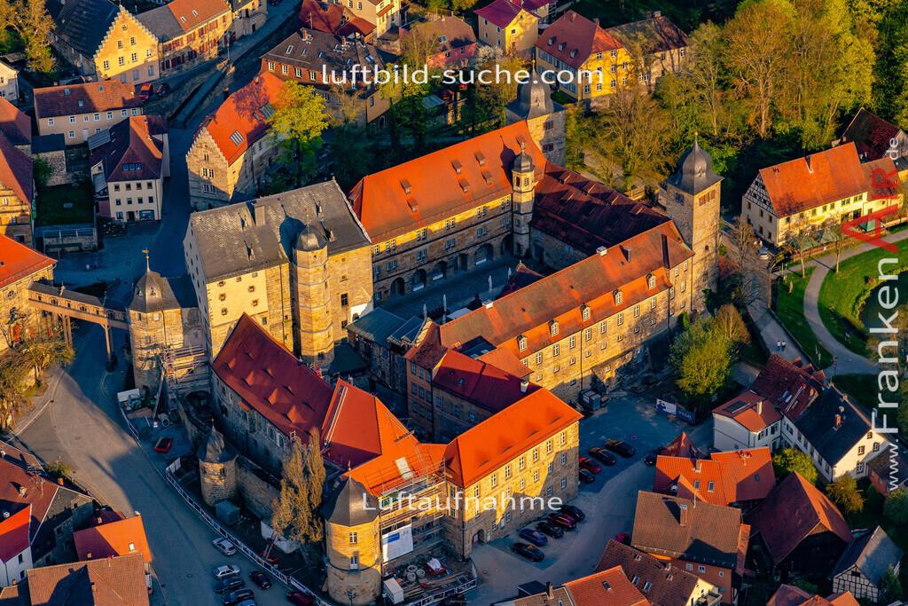 schloss-thurnau-18-215   aktuelles Luftbild von Schloss Thurnau - Luftaufnahme wurde 2018 von https://frankenair.de mittels Flugzeug (keine Drohne) erstellt.