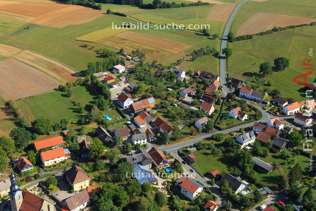 limmersdorf-thurnau-2015-5360   Luftbild von Limmersdorf Thurnau - Luftaufnahme wurde 2015 von https://frankenair.de mittels Flugzeug (keine Drohne) erstellt - die Geschenkidee