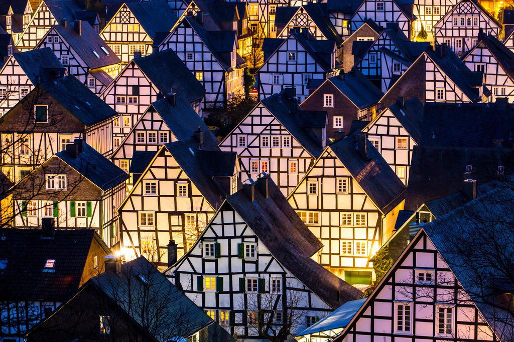 JT-160225-335 | Historische Altstadt von Freudenberg, Alter Flecken, Siegerland, Kreis Siegen-Wittgenstein, Fachwerkhaus Kulisse,