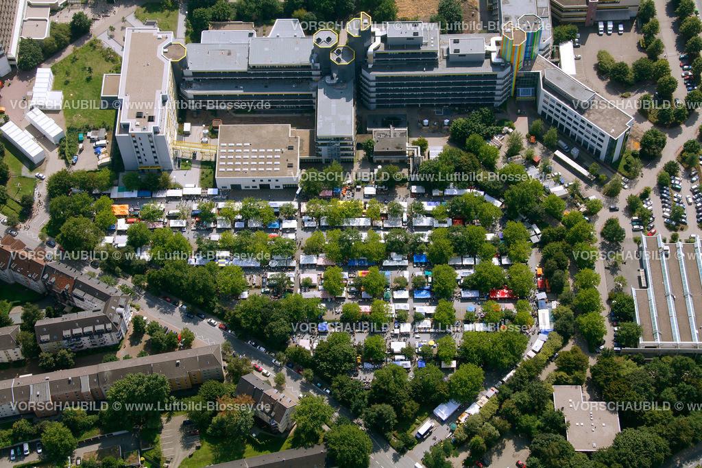 ES10080345 | Flohmarkt auf dem Uniparkplatz,  Essen, Ruhrgebiet, Nordrhein-Westfalen, Germany, Europa, Foto: hans@blossey.eu, 14.08.2010