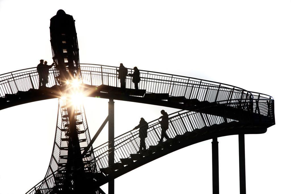 JT-111121-044 | Duisburg, Tiger and Turtle – Magic Mountain ist eine einer Achterbahn nachempfundene Landmarke auf der Heinrich-Hildebrand-Höhe im Angerpark in Duisburg-Angerhausen