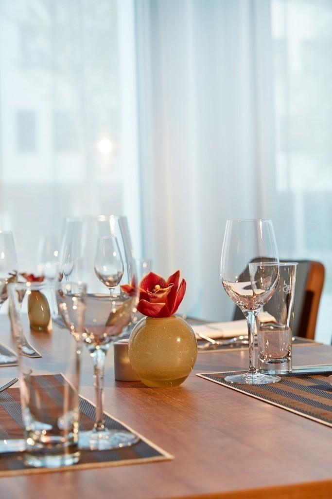 restaurant-dinner-05-h4-hotel-muenchen-messe