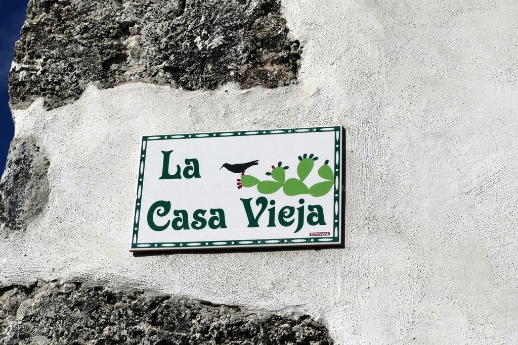 P1000900 | Keramik Schild mit Hausnamen - gefunden in Brena Baja La Palma