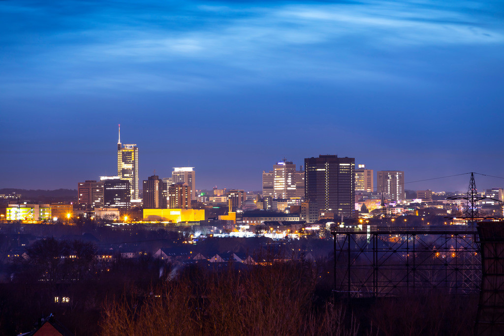 JT-181227-086 | Die Skyline von Essen,