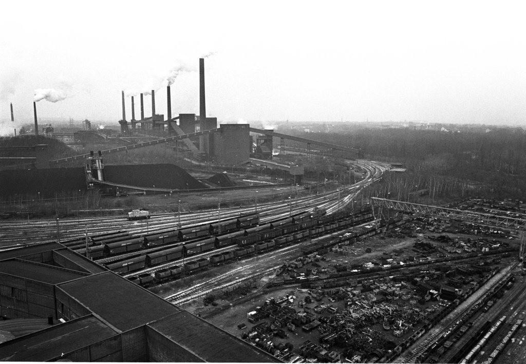 Zeche Zollverein   Essen, NRW, Deutschland,14.12.1987, Zeche Zollverein, Kokerei, ein Jahr nach der Schließung.