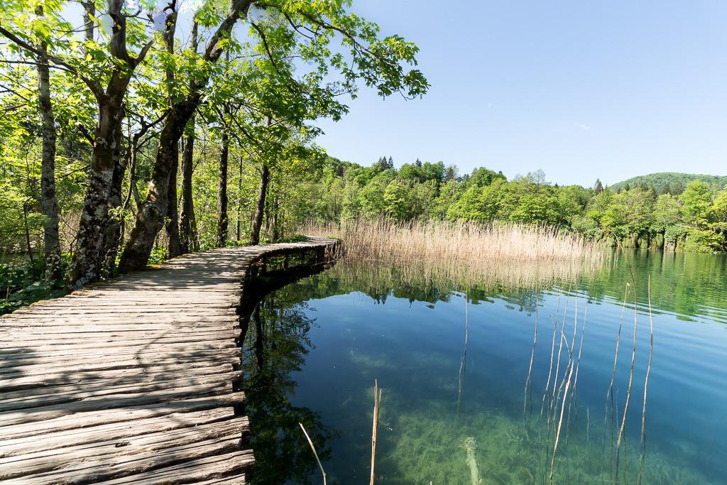 Steg durchs Wasser Plitvicer Seen