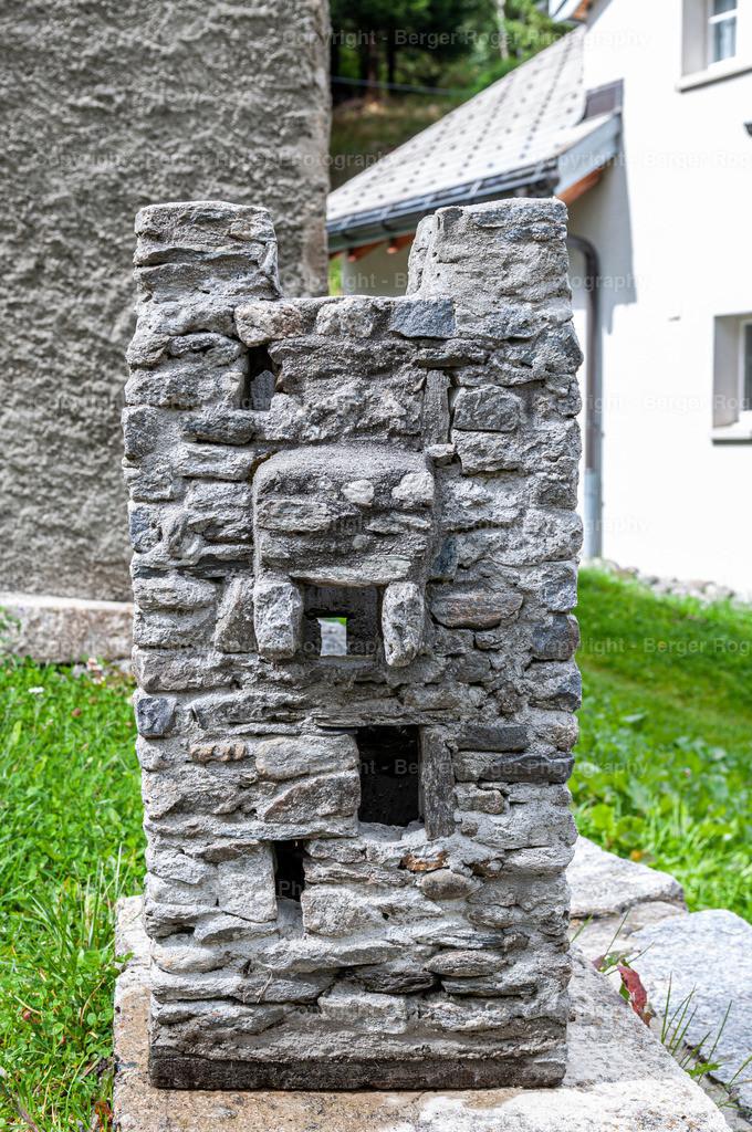 Miniatur Burgturm von vorne | Bildmaterial für Fotografen, Webdesigner und Grafikdesigner zum weiterverarbeiten