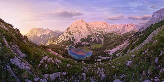 Drachenberge | Zu dieser Fantasy-Berglandschaft benötigt es keine große Vorstellungskraft mehr, um eine Schar Drachen hoch in die Lüfte fliegen zu lassen.