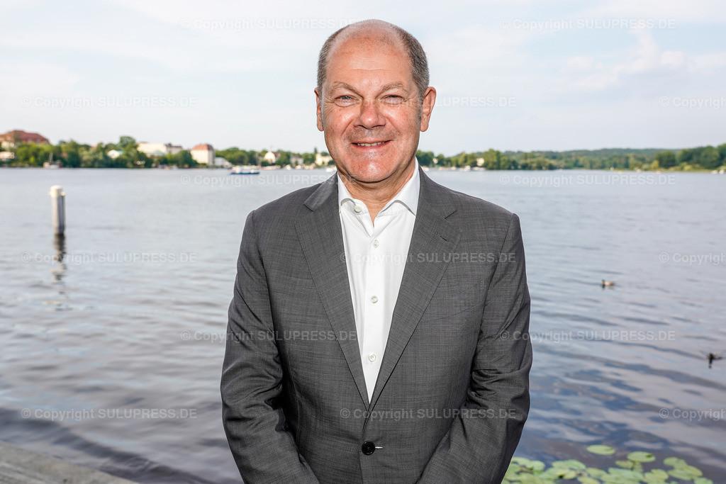 Olaf Scholz - Portrait beim Brandenburger Sommerabend 2019 in Potsdam   19.06.2019, Bundesfinanzminister Olaf Scholz beim