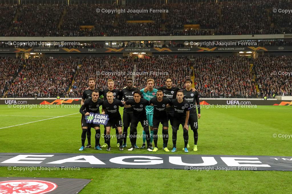 191024_sgevslie_0266   24.10.2019 Gruppenspiel Gruppe F UEFA Europa League Saison 2019/20 Eintracht Frankfurt - Standard Liege  emspor, emonline, despor, v.l., Teamfoto Eintracht Frankfurt , Frankfurt`s  squad, Line-up of Eintracht Frankfurt,  Foto: Joaquim Ferreira (DFL/DFB REGULATIONS PROHIBIT ANY USE OF PHOTOGRAPHS as IMAGE SEQUENCES and/or QUASI-VIDEO)