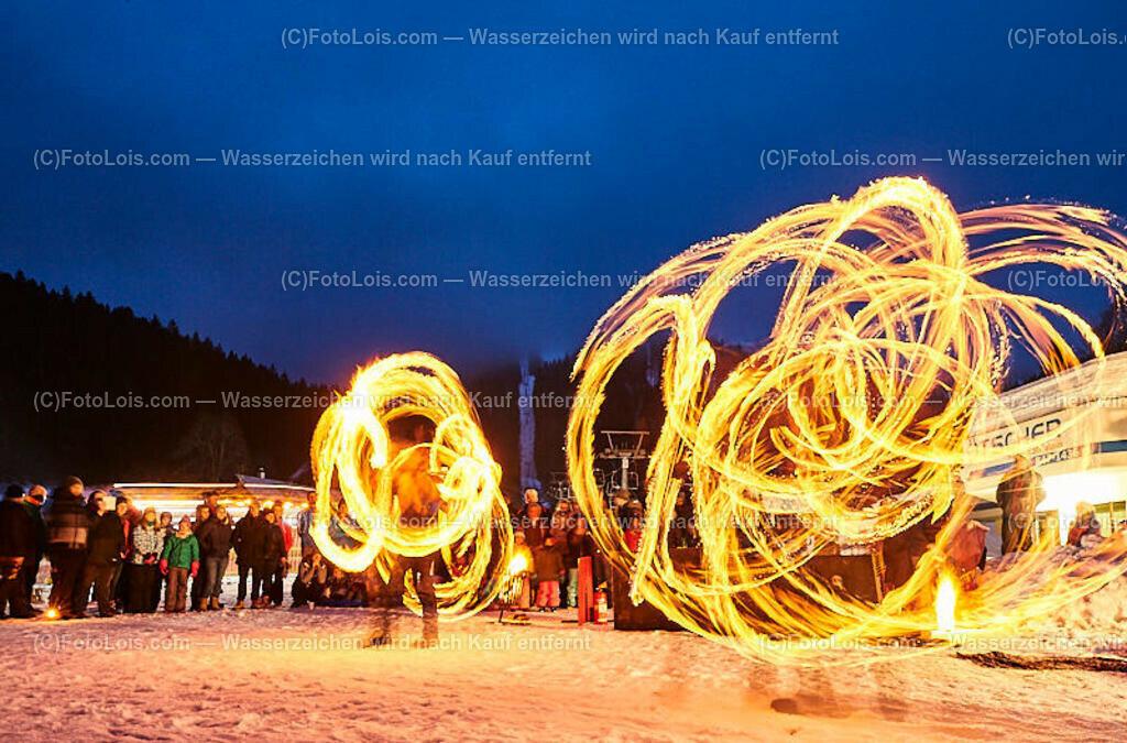 140_FIRE-ICE_Lackenhof   (C) FotoLois.com, Alois Spandl, FIRE & ICE in Lackenhof bei der Schirmbar im Weitental mit der Liveband àlaSKA, Feuershow von FEUERMATRIX, feurige Kulinarik, Pistenraupentaxi und dem großen Abschlussfeuerwerk zum Beginn der Semesterferien, Sa 2. Februar 2019.