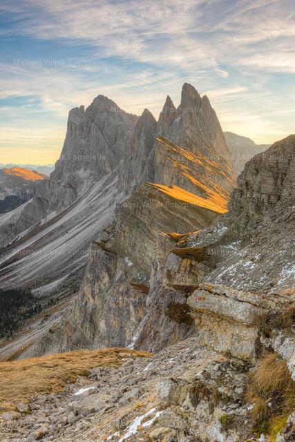Seceda Südtirol   Morgens kurz nach Sonnenaufgang auf der Seceda in Südtirol.