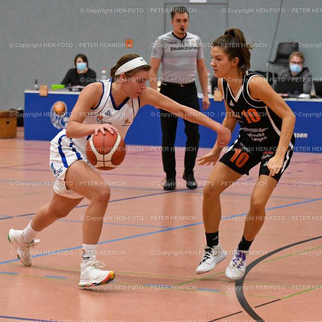 Basketball 2. BuLi Damen SG Weiterstadt - Rhein-Main Baskets 20201025 copyright by HEN-FOTO   Basketball 2. BuLi Damen SG Weiterstadt - Rhein-Main Baskets (62:98) 20201025 li 6 Saskia Gießelbach (W) re 10 Lena Herrmann (R) copyright by HEN-FOTO Peter Henrich